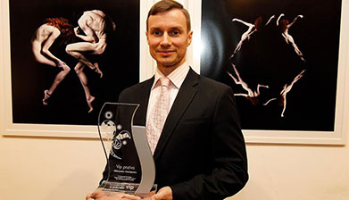 """Prestižna nagrada """"Vip poziva"""" uručena baletskom umetniku Aleksandru Antonijeviću"""